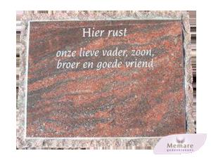 grafsteen met ruwe rand