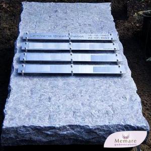 grafsteen of zerk ruw bekapt graniet