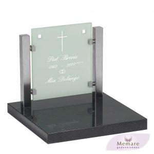 rvs glas en graniet voor het urnenveldmonument